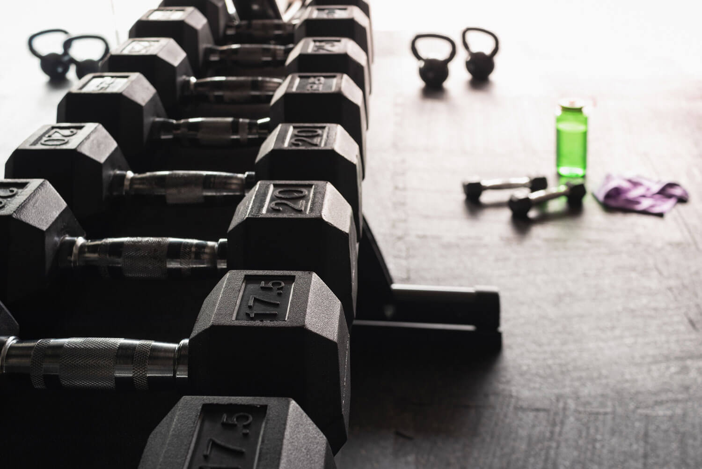 Fitnessgeräte sauber halten